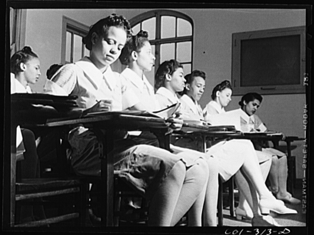 Chicago, Illinois. Provident Hospital. A preliminary student nurses' class in bacteriology