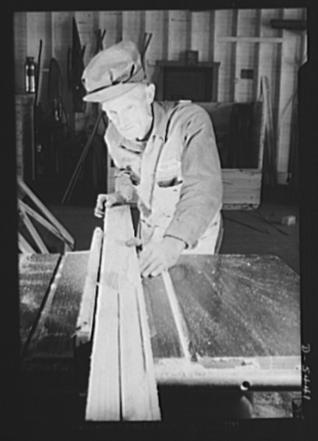 De Land pool. Skilled craftsmen. Ben Stephens tramped six miles into De Land, Florida three times a week last fall to attend the city's vocational school, established to provide workers for the community war-production pool. He welds, runs an acetylene cutting machine, and doubles in brass on woodworking and the assembly line in the Babcock plant, prime contractors of the pool. He plans to put his sixty-five-year-old father on the job as his helper when he is fully trained. Stephens, forty-four and a veteran of the last war, was one of eighteen machinists uncovered by a manpower survey of the community