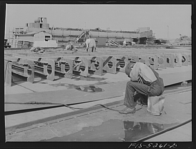 Decatur, Alabama. Ingalls Shipbuilding Company. Welding ship bottoms to be installed in barges being built on the ways