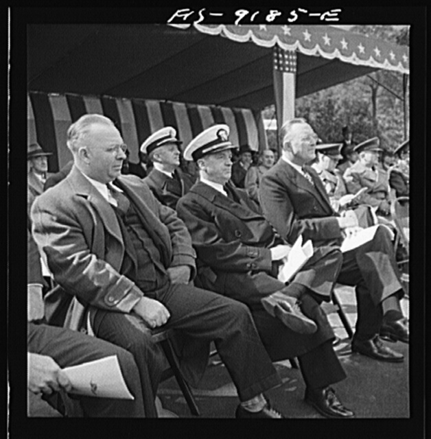 Detroit (vicinity), Michigan. Ceremonies at the presentation of the Army and Navy E award to the Briggs manufacturing company. Speakers on the platform