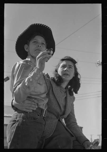 El Centro, California (vicinity). Youngsters at the Imperial County Fair
