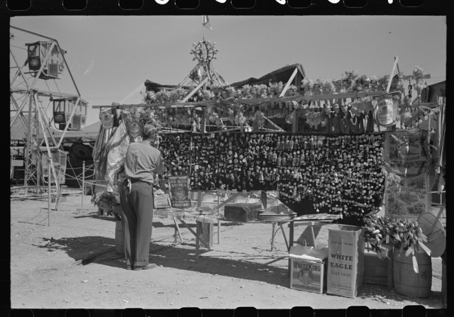 El Centro (vicinity), California. Souvenir stand of the Imperial County Fair
