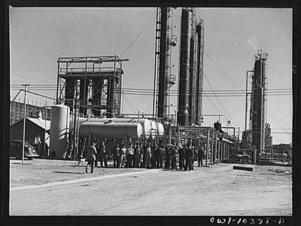 Employees at the Phillips gasoline plant