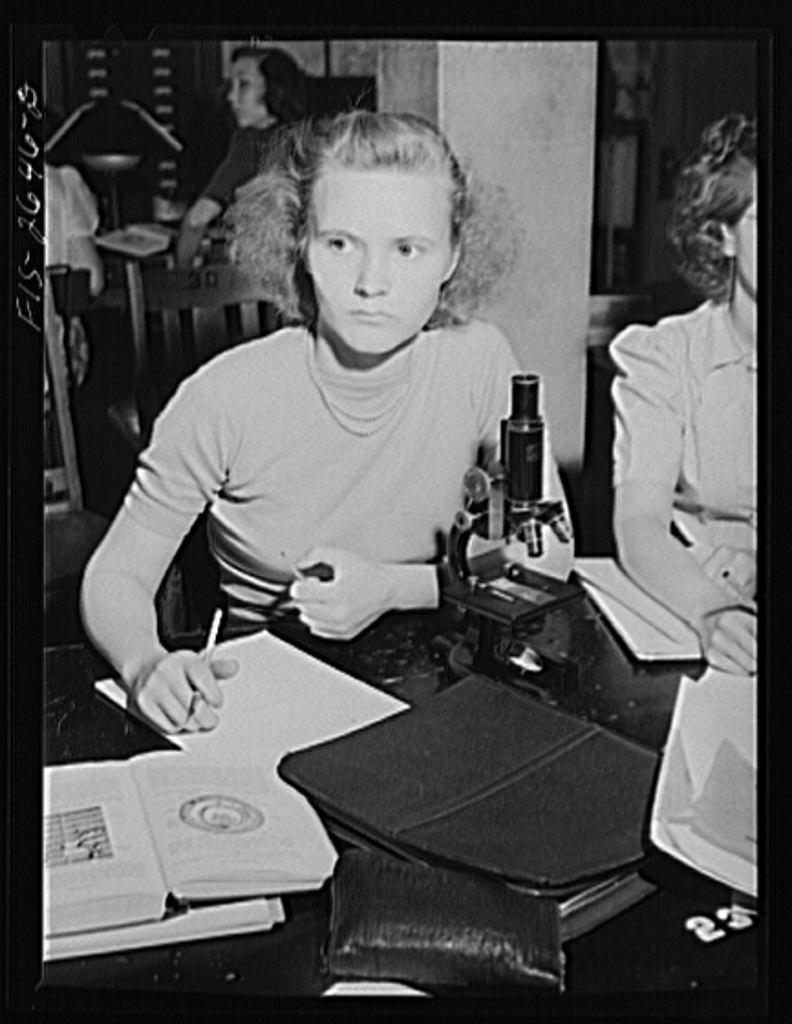 Esther Thurman, freshman in Home Economics, in a zoology class at Iowa State College. Ames, Iowa
