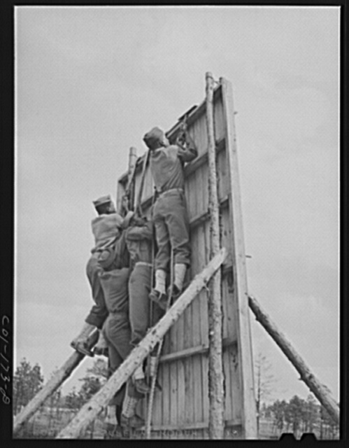 Fort Bragg, North Carolina. Soldiers of 41st Engineers on obstacle course