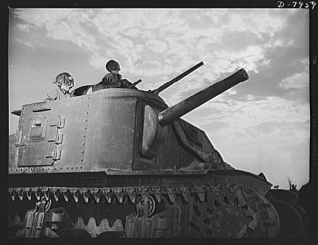 Fort Knox. M-3 tank crews. The crew of an M-3 tank at Fort Knox, Kentucky, learn all the ways of causing trouble for the Axis with a 75mm gun, a 37mm gun and four machine guns. The Fort Knox school for tank crews has graduated many men who are now ready to meet the enemy on our far-flung battle lines and on more than equal terms