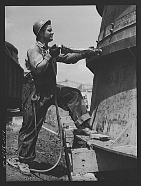 Fort Loudon [i.e., Loudoun] Dam, Tennessee. Tennessee Valley Authority (TVA). Riveter