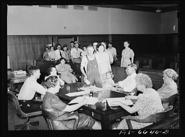 Kennett, Dunklin County, Missouri. Voting in the primary election in the county courthouse