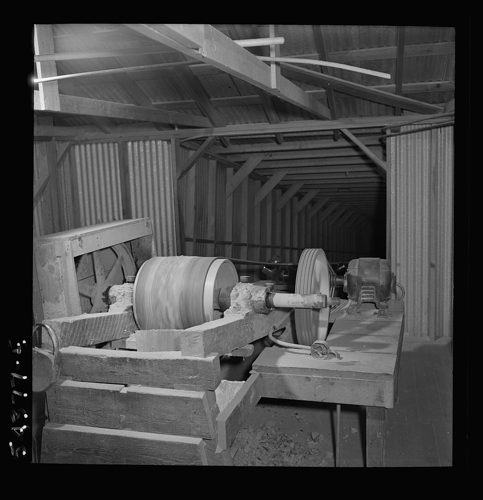 Kingman (vicinity), Arizona. An interior view of a concentrating plant where tungsten ore is crushed. The ore comes from the Boriana mine