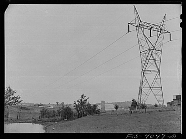 Knox County, Tennessee (Tennessee Valley Authority (TVA)). Transmission towers on farmland