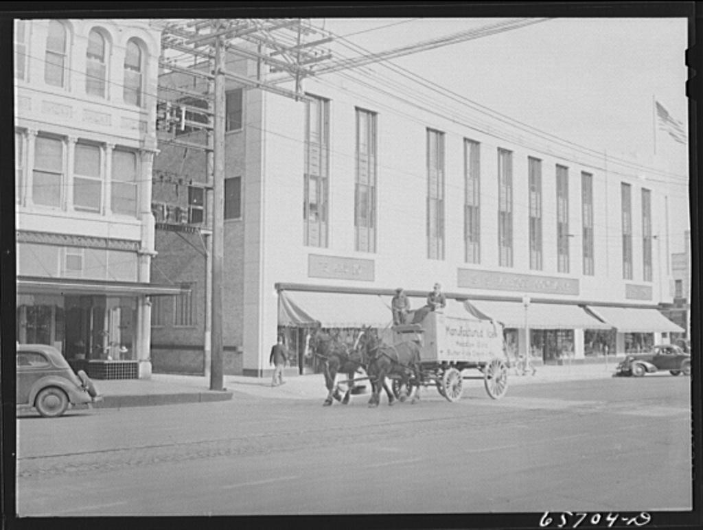 Lincoln, Nebraska. Ice wagon