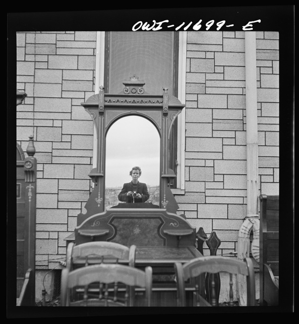 Lititz, Pennsylvania. Self-portrait at a public sale