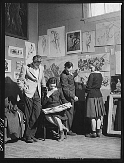 Madison, Wisconsin. Members of the Blue Shield Country Life Club of the University of Wisconsin visiting the studio of John Stuart Curry. One of the aims of the club is to bring about greater participation in cultural activities among farm people