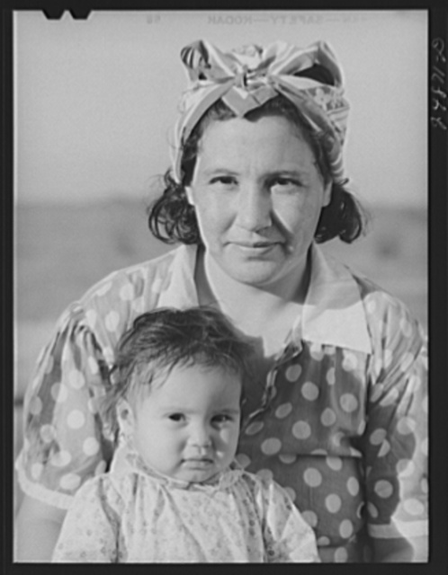 Migratory worker's wife and child. Robstown camp, Texas