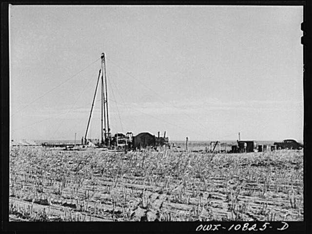 Moore County, Texas. Portable cable tool drilling outfit