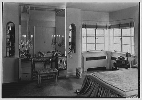 Mrs. Hansen Bang, residence at 176 E. Bay Blvd., Atlantic Beach, New York. Mrs. Hansen's bedroom