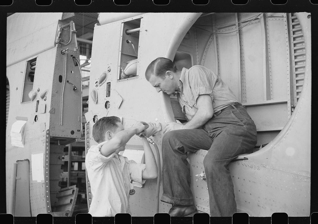 Nashville, Tennessee  Vultee Aircraft Company  Installing