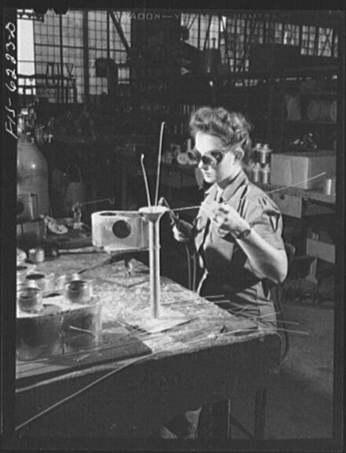 Nashville, Tennessee. Welding parts for fuel pumps. Vultee Aircraft Corporation plant