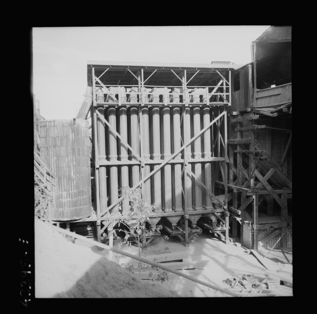 New Idria, California. A view of the mercury extraction plant of the Quicksilver Mining Company where mercury is obtained from cinnabar, an ore mined at a number of workings near the plant