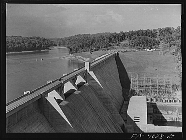 Norris Dam, Tennessee (Tennessee Valley Authority (TVA)). Norris Dam pushes back the Tennessee River seventy-two miles to form Norris Lake