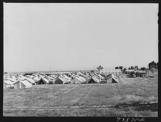 Nyssa. Oregon. FSA (Farm Security Administration) mobile camp now inhabited by Japanese-Americans who volunteered to do farm work. The U.S. Employment Service and the local sugar beet companies made agreements as to wages, working conditions, transportation, recreational facilities and medical care
