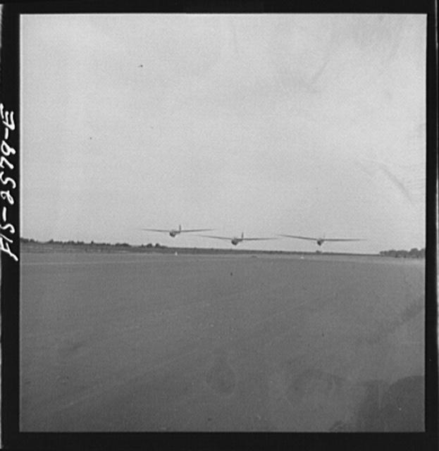 Parris Island, South Carolina. U.S. Marine Corps glider detachment training camp. Glider planes in flight