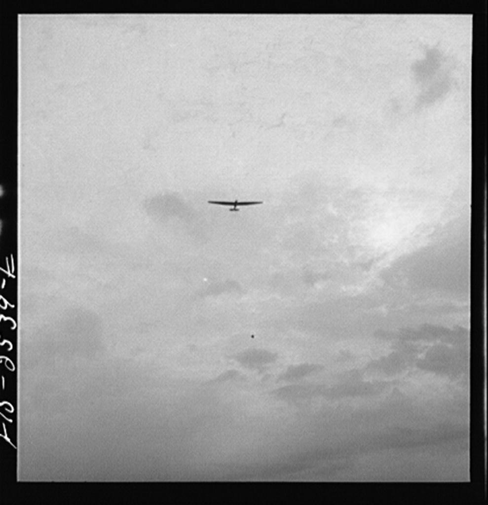Parris Island, South Carolina. U.S. Marine Corps glider detachment training camp. Glider plane in flight