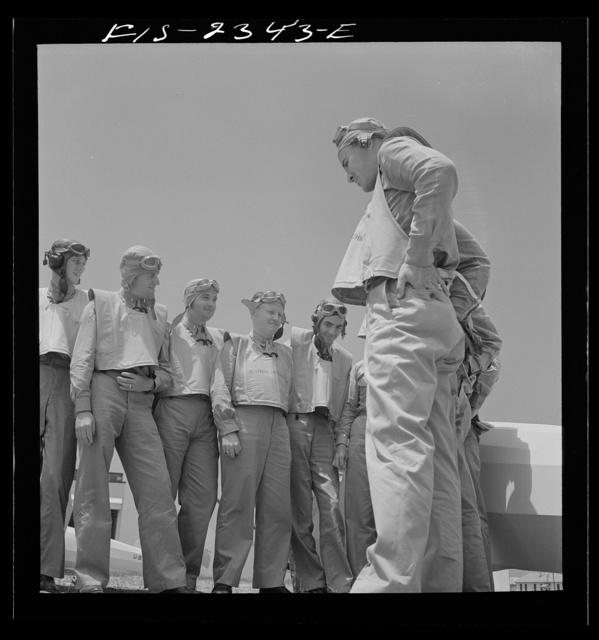 Parris Island, South Carolina. U.S. Marine Corps glider detachment training camp. Trainees and instructor