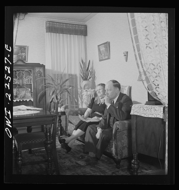 Philadelphia, Pennsylvania. Swedish-American foreman with the SKF roller bearing factory with his wife at home
