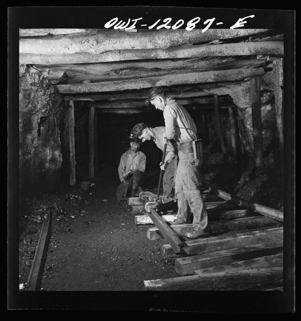 Pittsburgh, Pennsylvania (vicinity). Montour no. 4 mine of the Pittsburgh Coal Company. Laying track