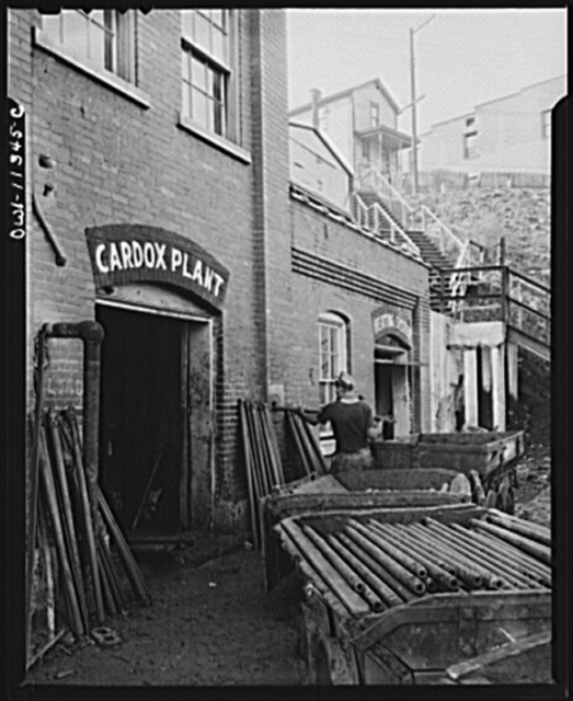 Pittsburgh, Pennsylvania (vicinity). Montour no. 4 mine of the Pittsburgh Coal Company. Cordox shop, where the shells are recharged with carbon dioxide