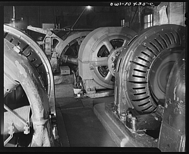 Pittsburgh, Pennsylvania (vicinity). Montour no. 4 mine of the Pittsburgh Coal Company. Electrically driven hoist which lifts the cages of the coal cars from the floor of the mine to the tipple where a rotary dump empties them into waiting railroad cars