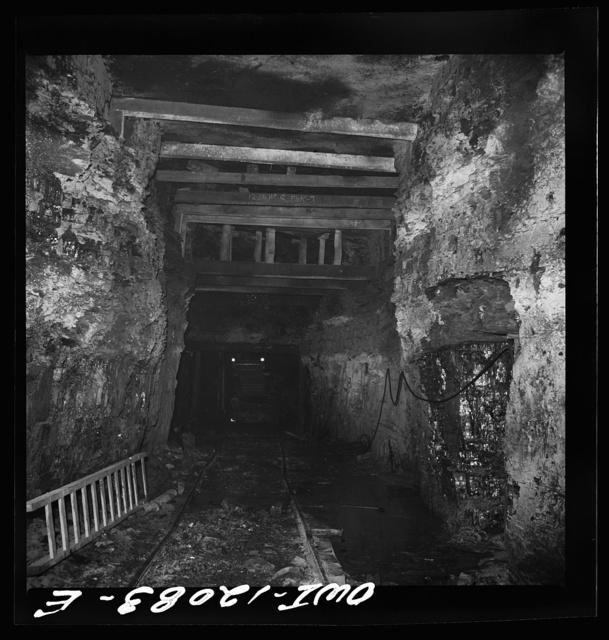 Pittsburgh, Pennsylvania (vicinity). Montour no. 4 mine of the Pittsburgh Coal Company. Unusually high roof in mine due to a poor ceiling
