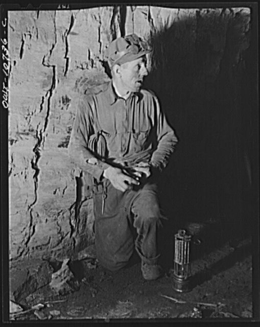 """Pittsburgh, Pennsylvania (vicinity). Montour no. 4 mine of the Pittsburgh Coal Company. Setting off a powder blast with the warning order """"fire"""""""