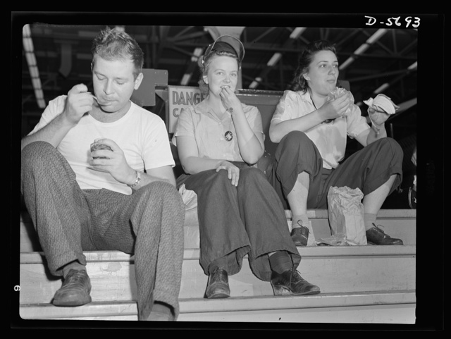 Production. Willow Run bomber plant. That thirty-minute lunch period has earnest and enthusiastic devotees at the Willow Run bomber plant. To save time, workers bring lunches from home and eat close to the job. Ford plant, Willow Run