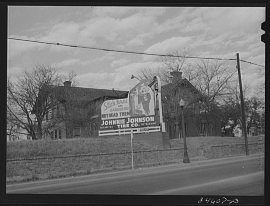 Roadside sign. West Lancaster Avenue, Fort Worth, Texas