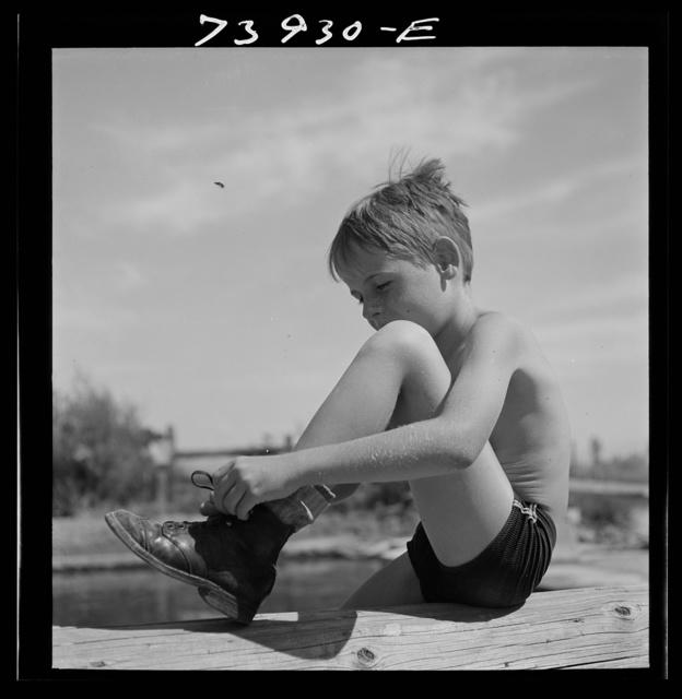 Rupert, Idaho. Schoolboy at swimming pool