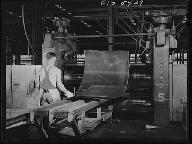 Sheffield, Alabama. Reynolds Alloys Company. Cold rolling of aluminum sheets
