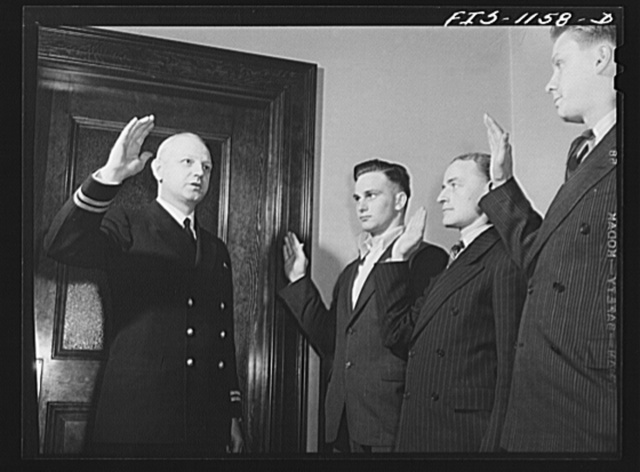 Swedish-American soldiers in Minnesota being inducted into the U.S. Navy