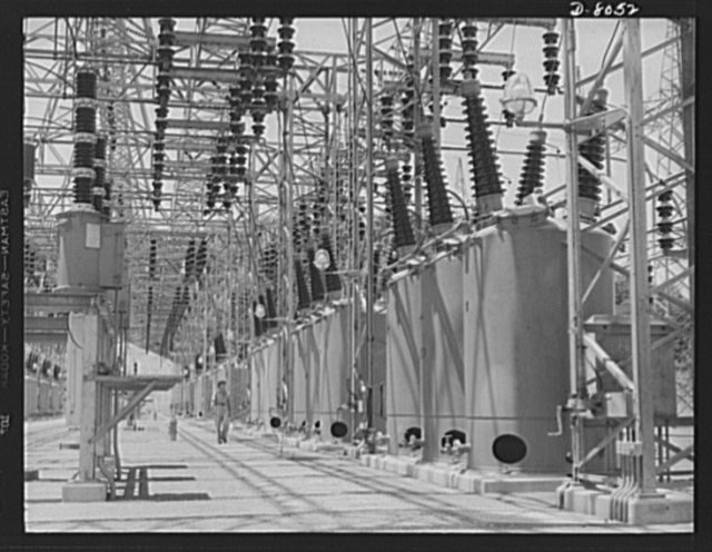 Tennessee Valley Authority (TVA). Watts Bar Dam hydroelectric plant. Switchyard at TVA's hydroelectric plant at Watts Bar Dam on the Tennessee River. On the right is line of 161 kilowatt, 1200 ampere oil circuit breakers. Located 530 miles above the mouth of the Tennessee River, the dam has an authorized power installation of 90,000 kilowatts, which can be increased to a possible ultimate of 150,000 kilowatts. The reservoir at the dam adds 370,000 acre feet of water to controlled storage on the Tennessee River system