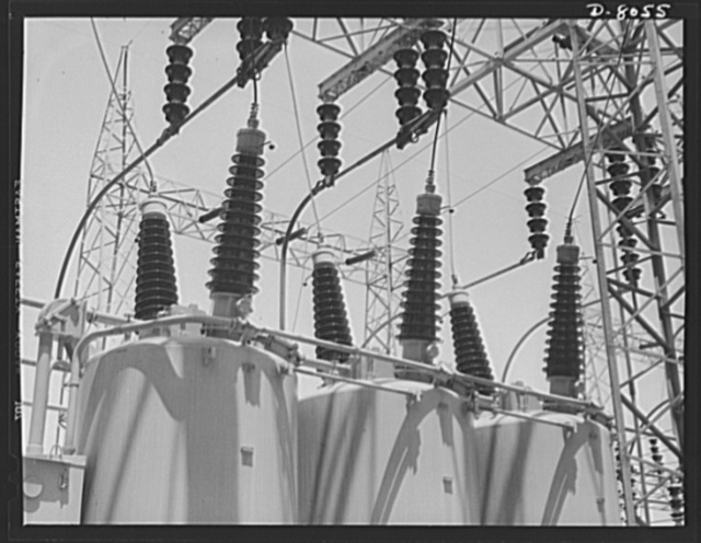 Tennessee Valley Authority. Watts Bar Dam hydroelectric plant. Some of the 1,200 ampere oil circuit breakers in the switchyard of TVA's hydroelectric plant at Watts Bar Dam on the Tennessee River. Located 530 miles above the mouth of the Tennessee River, the dam has an authorized power installation of 90,000 kilowatts, which can be increased to a possible ultimate of 150,000 kilowatts. The reservoir at the dam adds 370,000 acre feet of water to controlled storage on the Tennessee River system