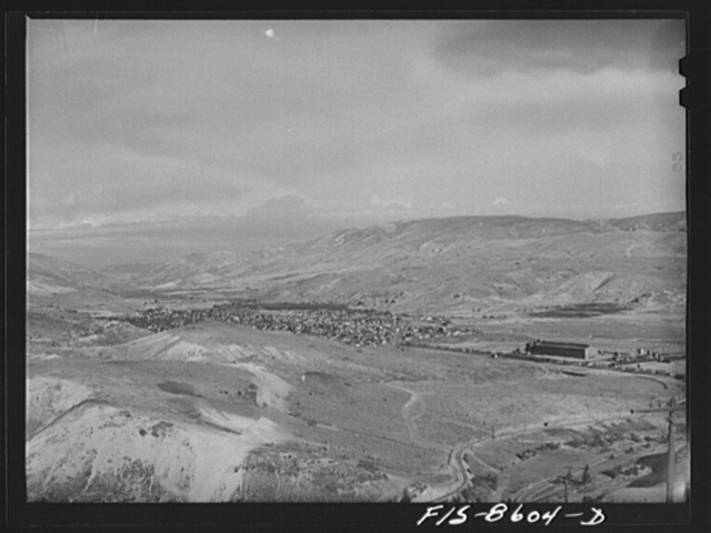 The city of Anaconda, Montana lies to the west of the large smelting plant of the Anaconda Copper Mining Company