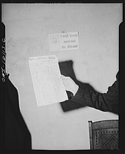 Toledo, Ohio. Copy of the anti-British letter shown at an Evangelical church ceremony at which the preacher delivered a hysterical speech, and then burned a copy of Hitler's Mein Kampf