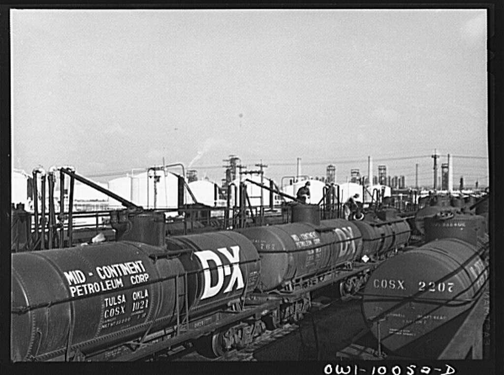 Tulsa, Oklahoma. Loading rack at the Mid-continent refinery