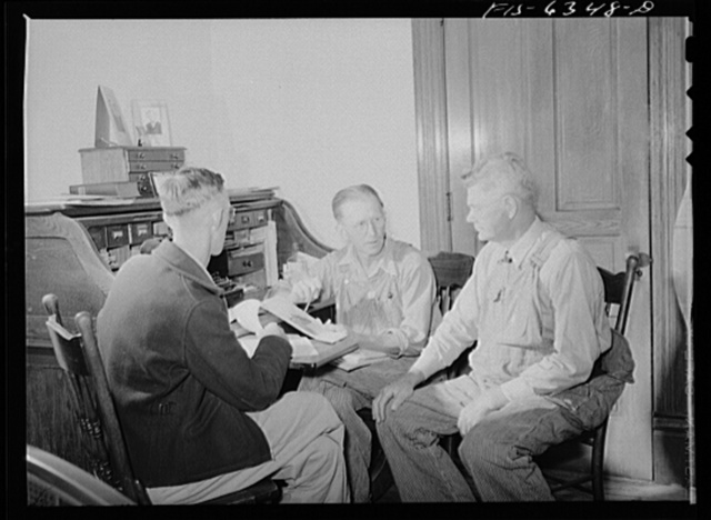 Vernon County, Wisconsin. Edward Saugstad discussing conservation plans with other members of the Agricultural Adjustment Administration committee