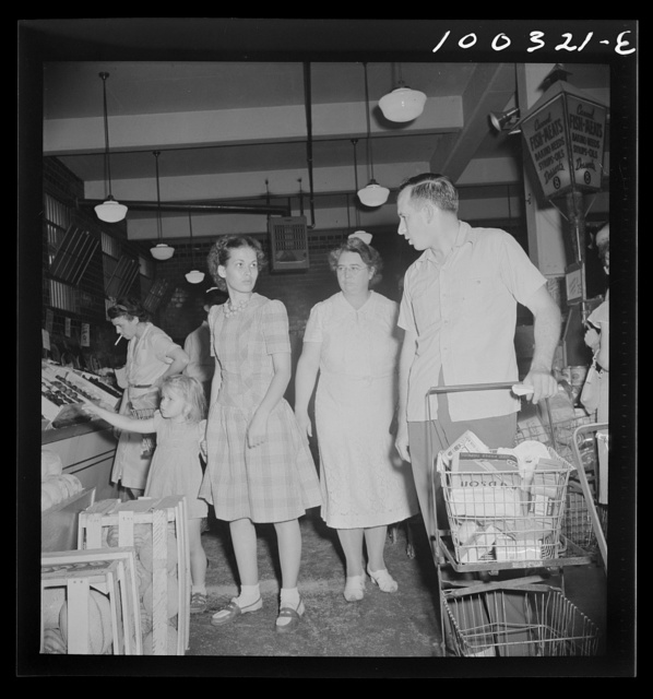 Washington, D.C. Customers in the Giant Food shopping center on Wisconsin Avenue