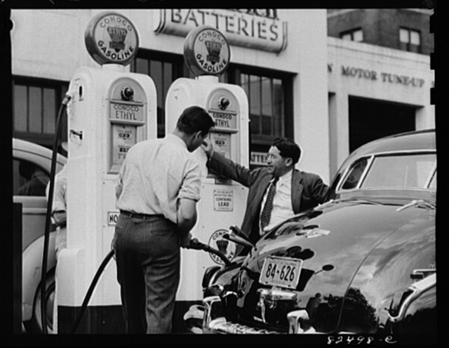 Washington D.C. Filling up with gas on the day before rationing
