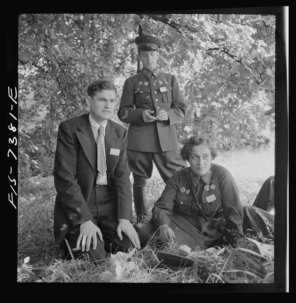 Washington, D.C. International youth assembly. Russian delegates. Liudmila Pavlichenko, Soviet woman sniper is on the right