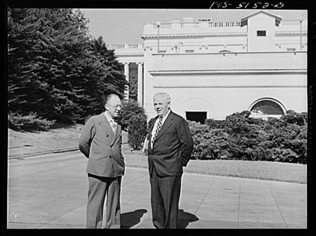 Washington, D.C. Mr. Este, a Swedish journalist, with Mike McDermott of the U.S. State Department after President Roosevelt's press conference