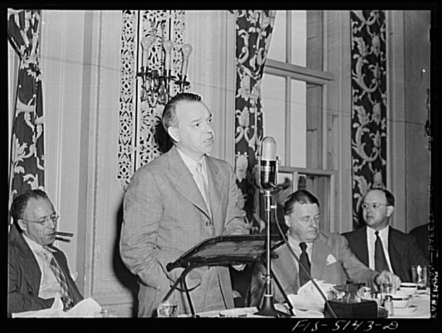 Washington, D.C. Mr. Vinde, a Swedish journalist, addressing Washington journalists at the National Press Club luncheon